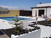 Casa Amapola: Patio with pool